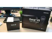 Samsung Gear VR Headset (late 2017) with Motion Controller / Back