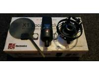 SE Electronics Studio Microphone and Stand
