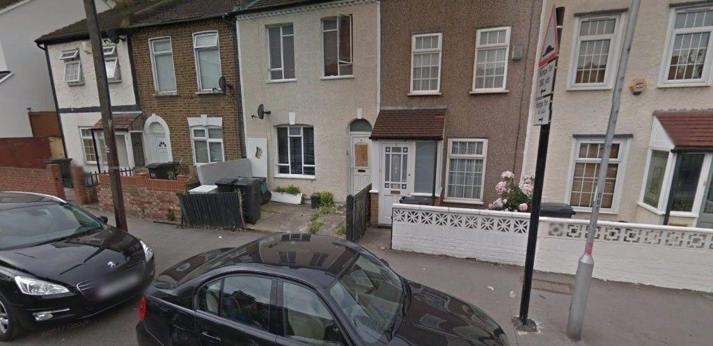 **Lovely 1 bedroom flat on Denmark Road SE25