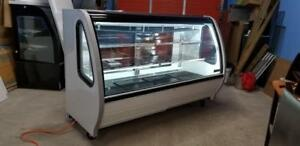 BRAND NEW 6 FT CURVED GLASS PASTRY OR DELI COOLED ( GRAVITY COOLED )