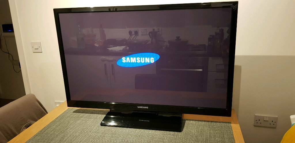 gorgeous 43 inch samsung plasma tv model nr ps43e460 in peckham london gumtree. Black Bedroom Furniture Sets. Home Design Ideas