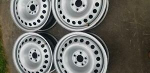 LIKE BRAND NEW   FACTORY OEM FIAT  16 INCH STEEL WHEEL SET OF FOUR.  WITH SENSORS