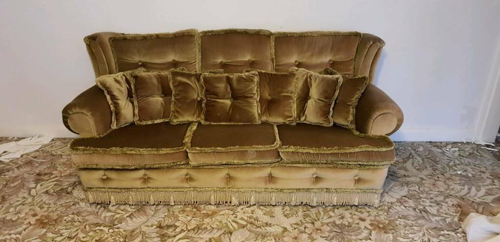 3 seater vintage sofa with 2 armchairs