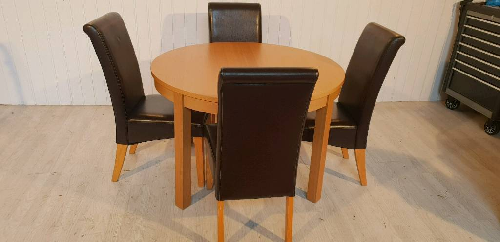Pending Collection Oak Effect Extendable Dining Table And 4 Faux