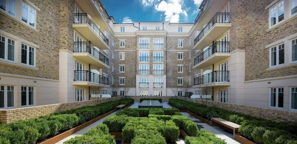 Two bedroom flat offering spacious, luxurious living and underground parking, Carnwath Road, sw6