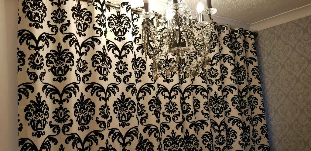 Beutiful Black And Cream Damask Curtains