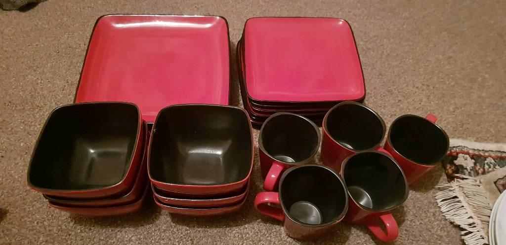 Red Black Square Tableware In