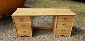 Free dresser today only otherwise going in skip !