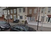 Available Immediately this Studio/1Bed in Crystal Palce SE25..Part Dss Accepted!!!