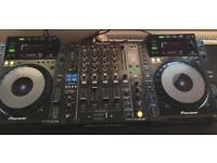 CDJ 900 x2 & DJM 850 Mixer