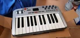 M-Audio Oxygen8 v2 MIDI keyboard