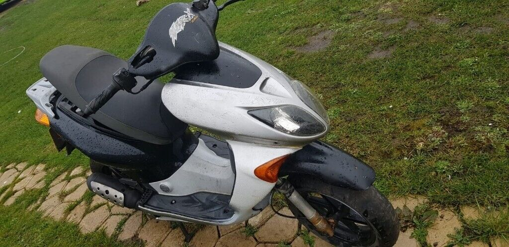 Honda X8r 50cc 2t Scooter Moped Spares Or Repairs In Swindon