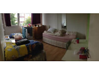 Nice Twin room is available now in clean flat, for two friends or a couple