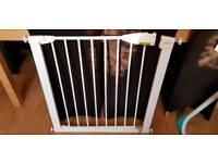 Lindam pressure fittings stair gate
