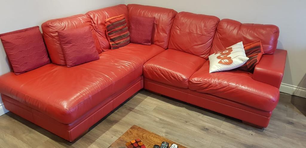 Red leather corner sofa | in Halesowen, West Midlands | Gumtree