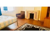 4 BEDROOM HOUSE! 1 RECEPTION! EAST HAM! AVAILABLE TO MOVE IN NOW!