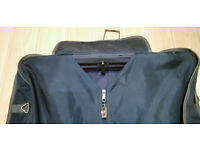 sturdy suit/dress travel bag