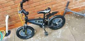 Loqwer price bargain Boys 16 inch batman bike