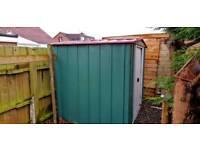 Aluminium/ tin shed