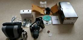 Nikon D3200 18-55 VR kit + case + sd card