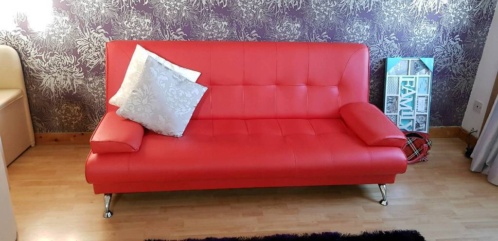 NEW!!!!!!!Gorgeous Red Couch !!!