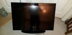 """£100 Celcus 32"""" TV"""