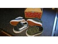 5310df3cc1096 2 pair of Vans Size 4 Uk Toddler