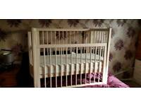 Baby Dan Bow End Cot in cream with 2 mattresses