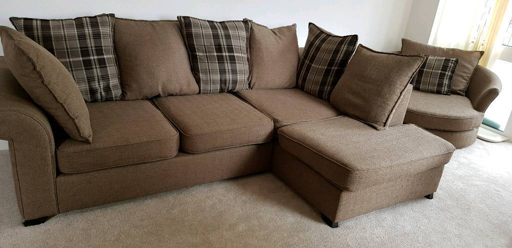 Superb Corner Soffa Tv Table Dinner Tv In Trafford Manchester Gumtree Gmtry Best Dining Table And Chair Ideas Images Gmtryco