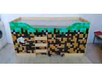 Minecraft Cabin Bed