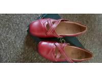 Caravelle Women's shoes