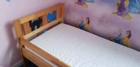 Ikea toddler bed inc matress