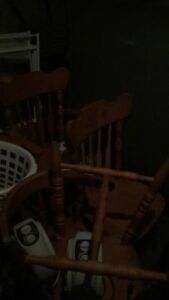 SELLING CHAIRS X2 FOR 25$ EACH OR 50$ FOR BOTH.