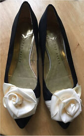 Size 6 Ted Baker pumps