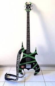 Bass guitar - BC Rich Revenge 4-string, case, strap Millner Darwin City Preview