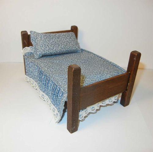 Little Tikes Victorian Kitchen: Dollhouse Bed