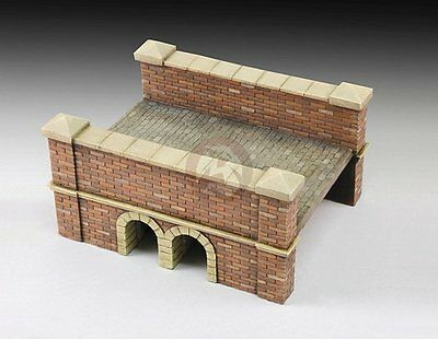 (Royal Model 1/35 (also for 1/32) Little Red Brick and Stone Bridge Section 690)