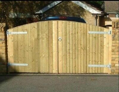 WOOD DRIVEWAY GATES - HEAVY DUTY 4ft High X 8ft Wide. - Any Size Made To Measure