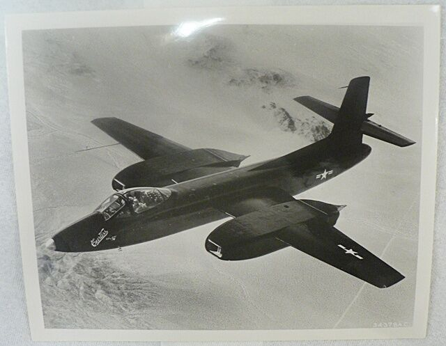 VINTAGE 1940s OFFICIAL  PHOTO  OF CURTISS XP-87 IN FLIGHT MILITARY