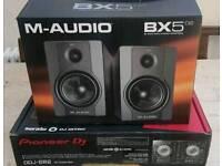 Pioneer DDJ SB2 & M-Audio BX5 D2 (pair)
