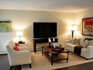 Gorgeous! Luxury 3 Bedroom Townhome in Upper Lonsdale North Shore Greater Vancouver Area image 8