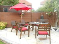 Garden parasol and seat pads