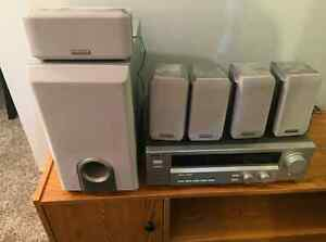 KENWOOD Receiver, sub woofer with 5 speakers