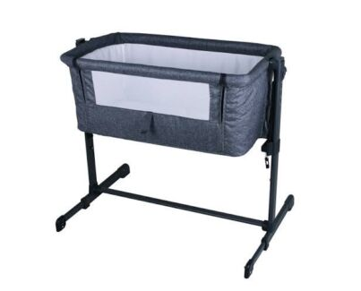 Portable bassinet and co sleeper Point Cook Wyndham Area Preview