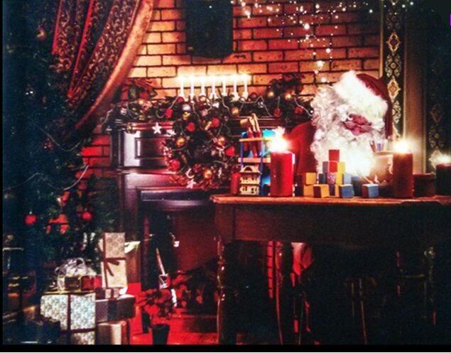 Stunning Santa & Christmas Tree LED Canvas santa Writing Postcards