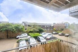 Outstanding 2 bed Apartment in Docklands