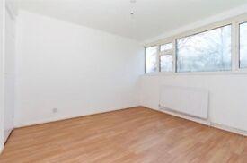 2 bedroom maisonette to rent, North Orbital Road, Denham - Bucks