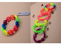 Brightly coloured peace symbol stretch bracelet - JTY061