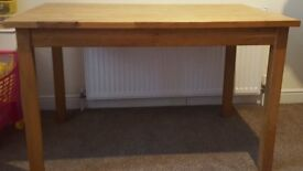 Real Solid Wood Dinning Table Only Paid over £150 Grab a Bargain @ £80