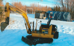 1999 Mini Excavator Good Condition Digs 7ft weighs around 3000lb